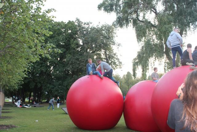 relationship blog gorky park red balls climbing