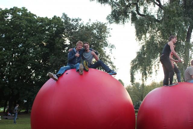 relationship blog gorky park russia red balls