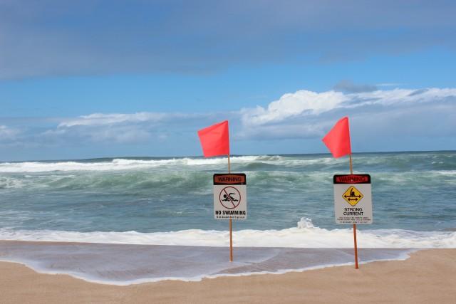 couples blog travel hawaii north shore waves