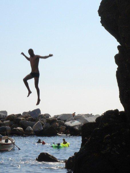 ryan avery cliff jumping
