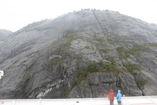 tracy arm alaska cruise mountain