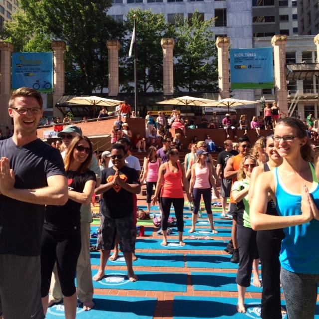 world record yoga portland ryan and chelsea avery pose